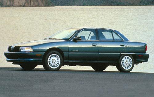 Neo-Classic Car: 1993 Oldsmobile Achieva SCX - Autosavant | Autosavant