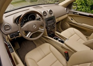 2009mercedesbenzml320-interior