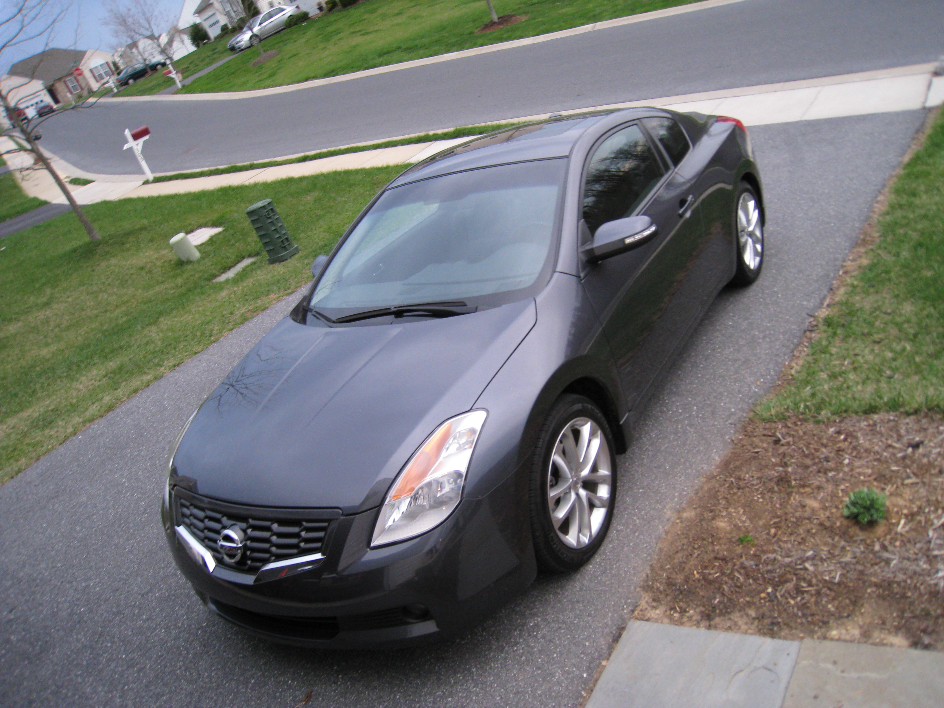 2009 Nissan Altima Coupe 3 5 Se Review