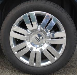 "Lincoln MKX Optional 20"" Wheel"