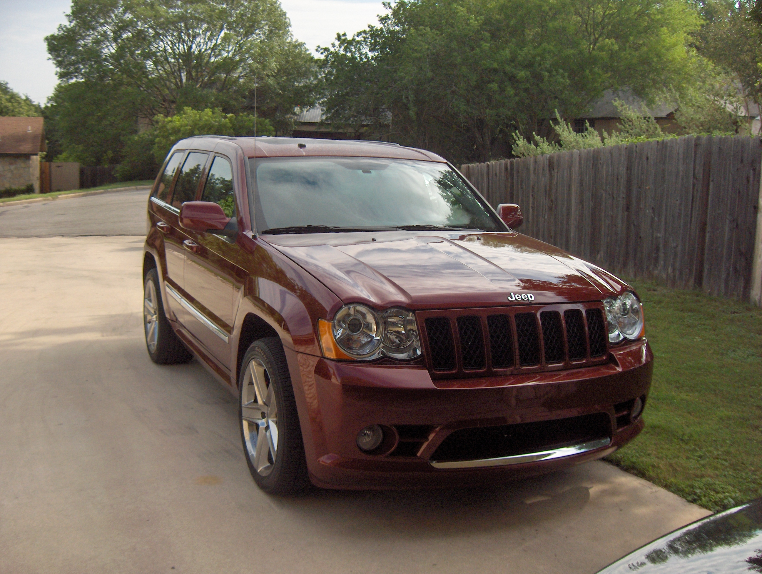 2009 jeep grand cherokee srt8 review autosavant autosavant. Black Bedroom Furniture Sets. Home Design Ideas