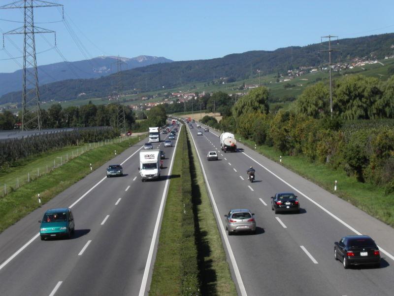 800px-autoroutesuissea1