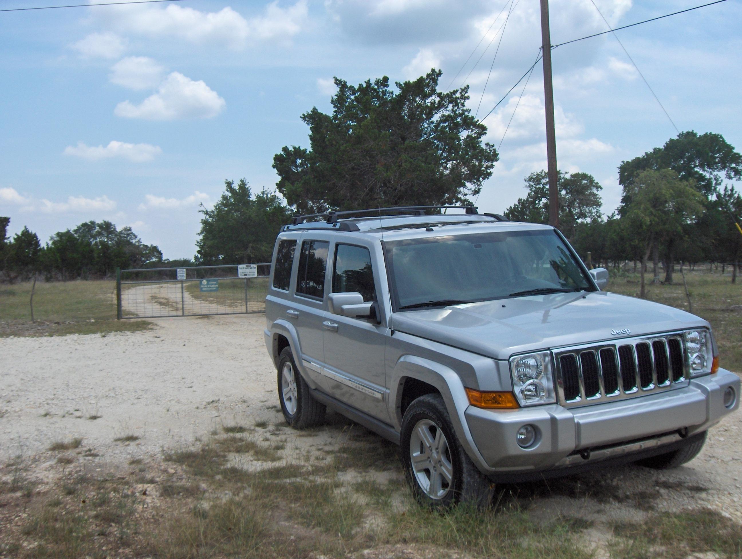 2009 jeep commander 4x4 limited review autosavant. Black Bedroom Furniture Sets. Home Design Ideas