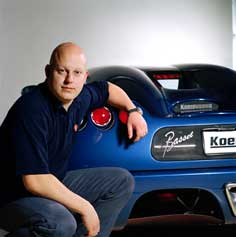 koenigsegg-with-car