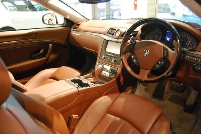 Maserati Gran Turismo 2009 interior