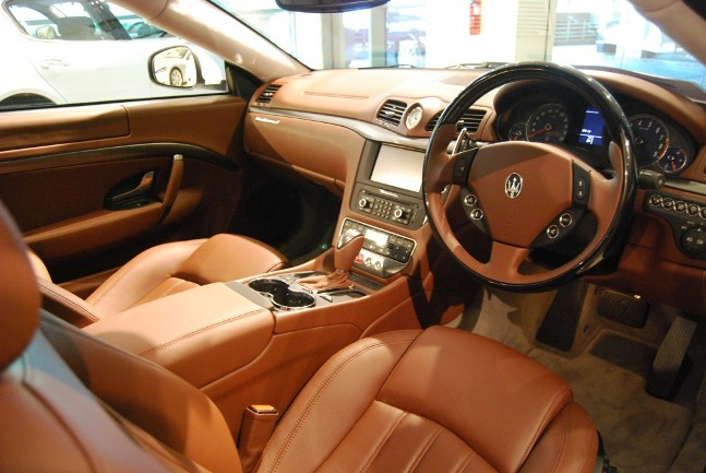 Maserati granturismo interior for Maserati granturismo s interieur
