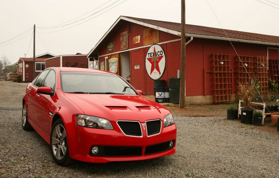 2009-pontiac-g8-gt-red