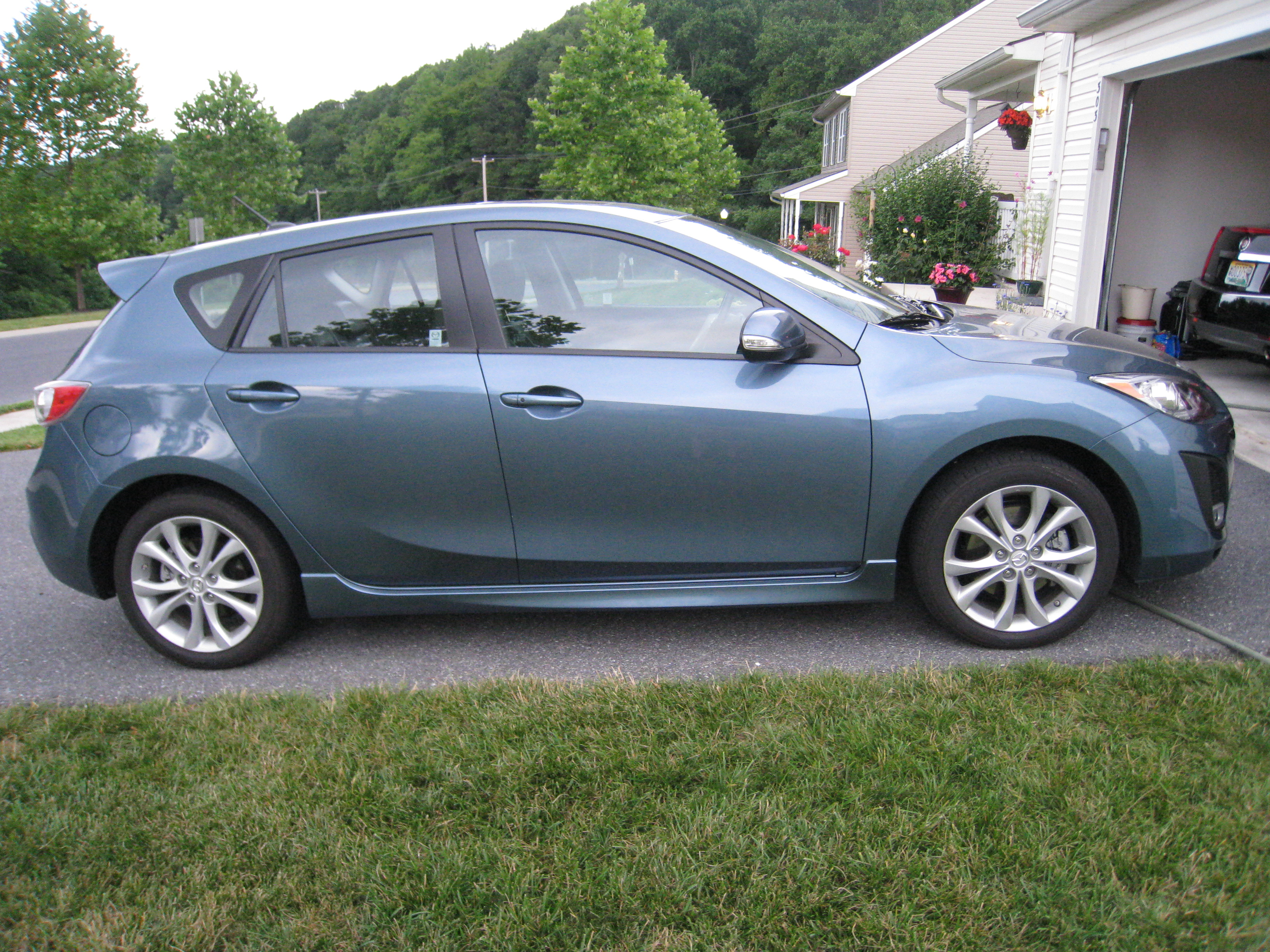 2010 mazda mazda3s grand touring 5 door review. Black Bedroom Furniture Sets. Home Design Ideas