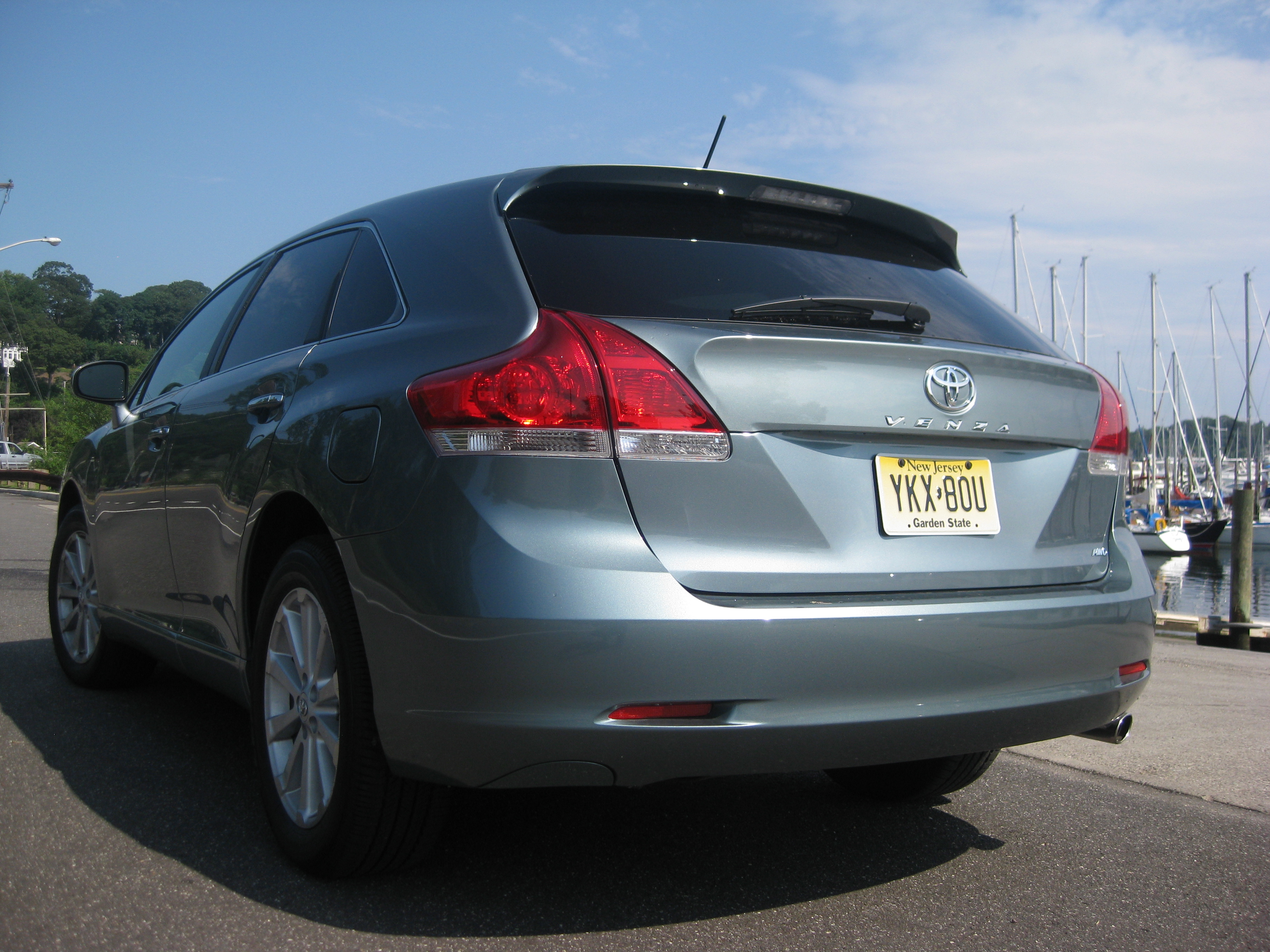 2009 toyota venza awd 4 cylinder review autosavant. Black Bedroom Furniture Sets. Home Design Ideas