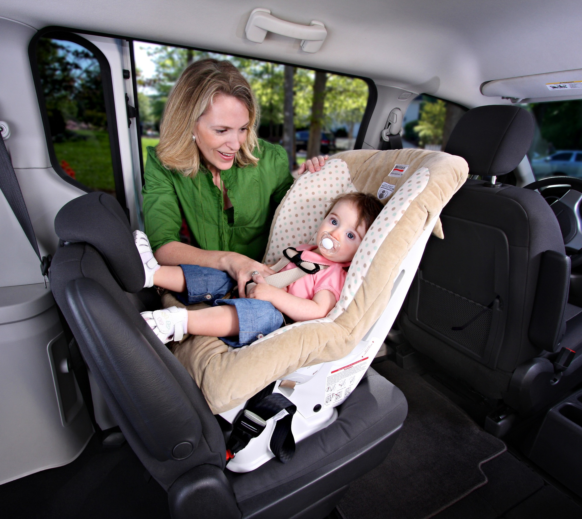 britax roundabout 50 convertible car seat review autosavant autosavant. Black Bedroom Furniture Sets. Home Design Ideas