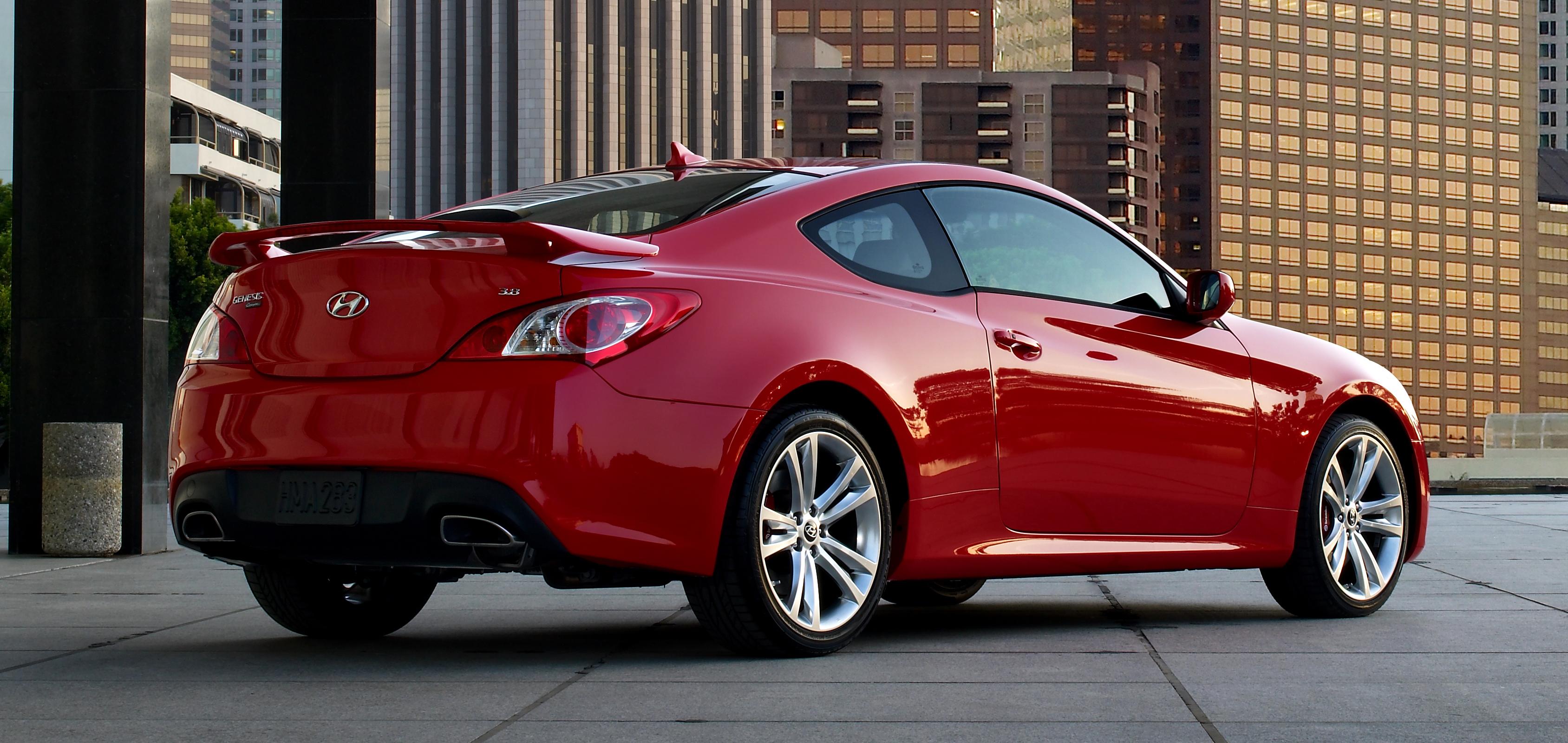 2010 hyundai genesis coupe 3 8 track review autosavant autosavant - Asset_upload_file470_2970
