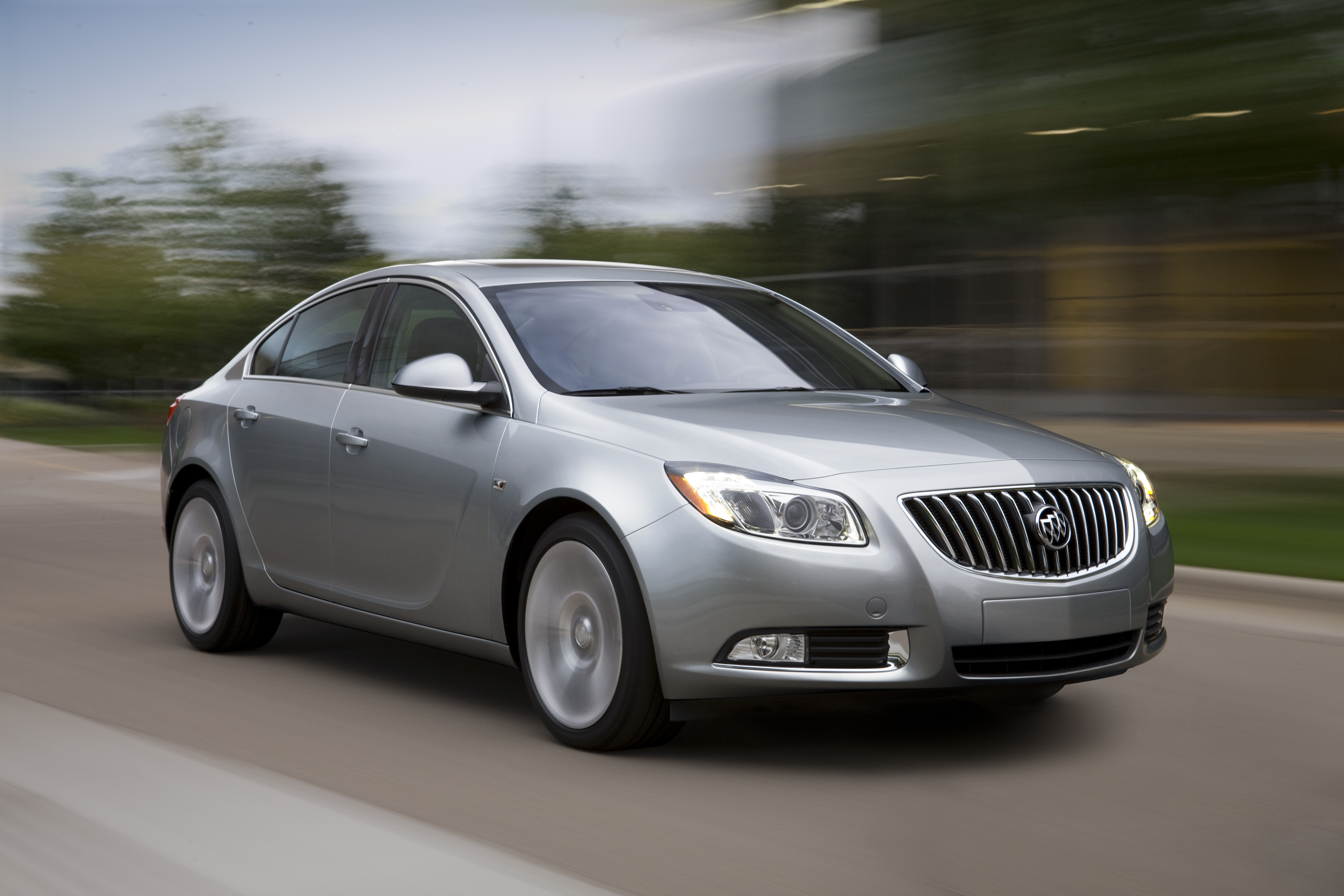 and lacrosse metallic alloy with front baroque wheels pin color awd red exterior buick view
