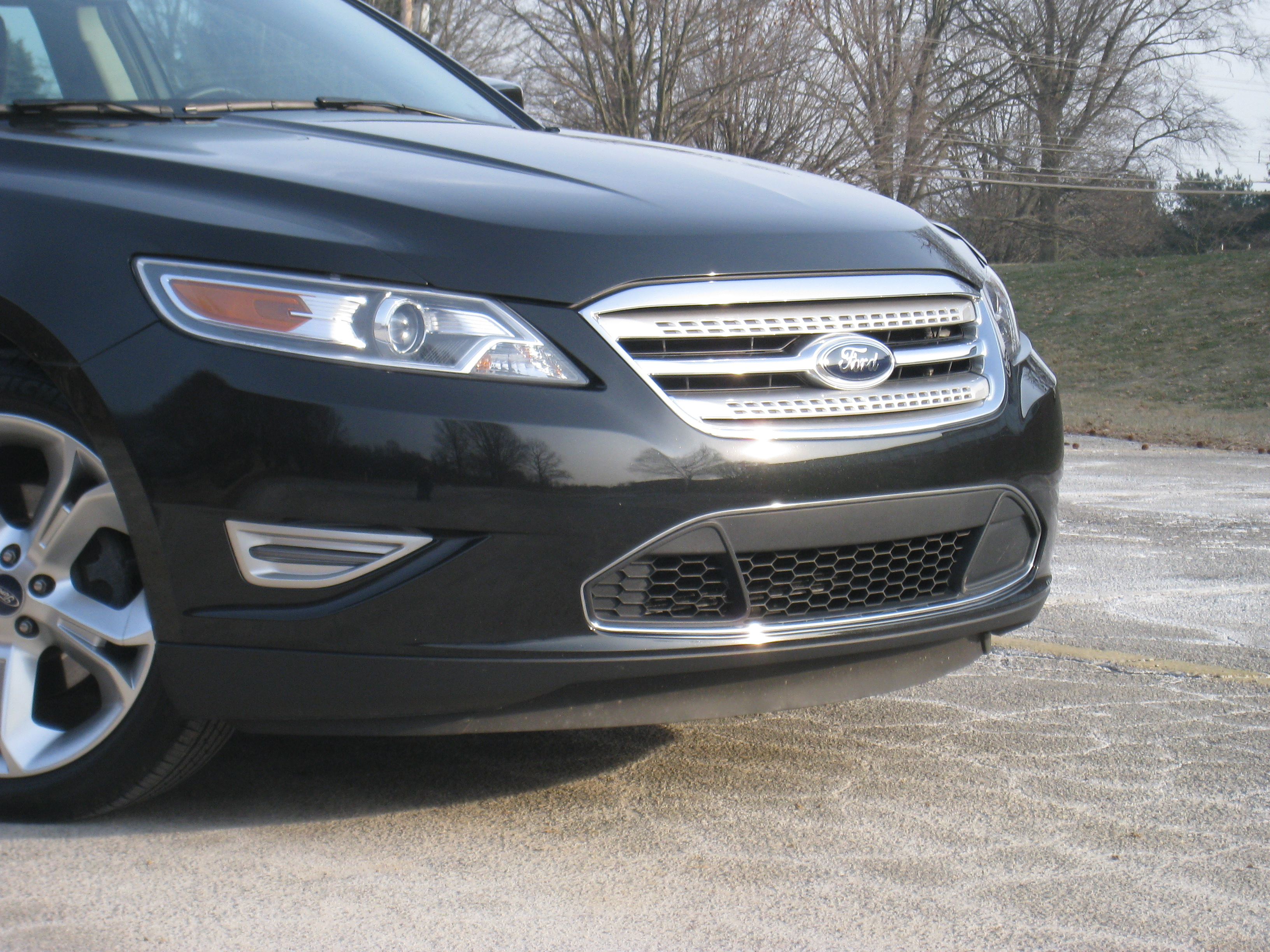2010 ford taurus sho review autosavant autosavant. Black Bedroom Furniture Sets. Home Design Ideas