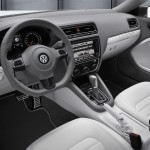 VW-NewCompactCoupeHybrid-interior1--L
