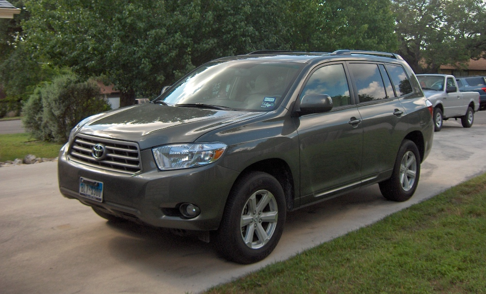 review 2010 toyota highlander se 4x2 autosavant. Black Bedroom Furniture Sets. Home Design Ideas