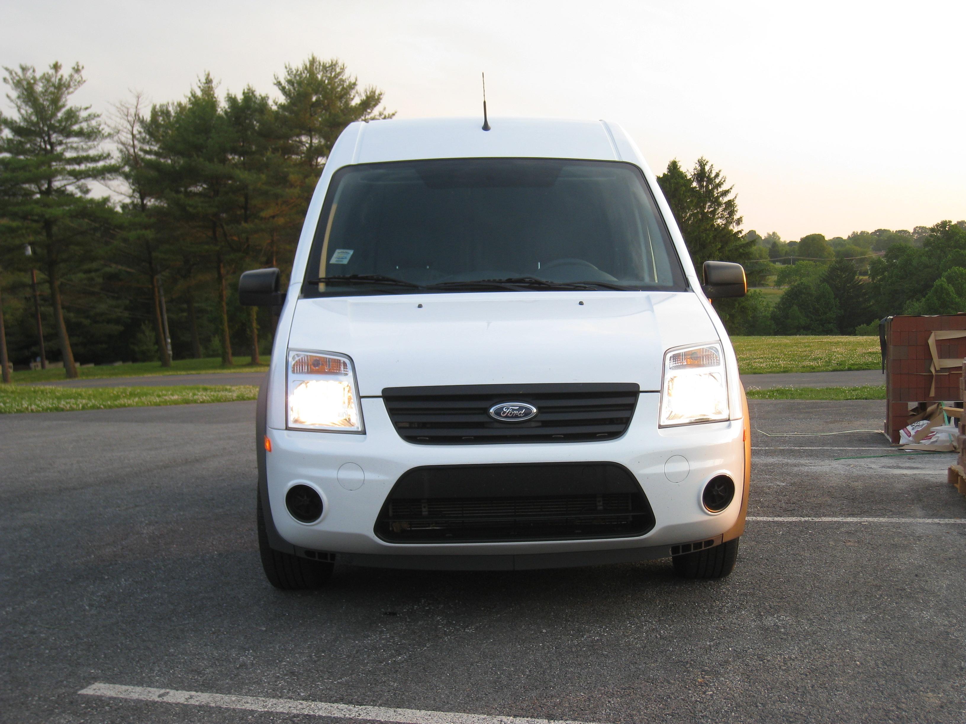 review 2010 ford transit connect xlt cargo van autosavant autosavant. Black Bedroom Furniture Sets. Home Design Ideas