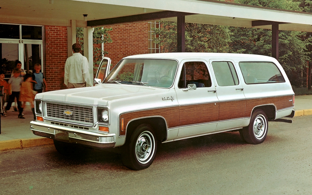 1980s and early 90s Chevy/GMC Suburban tribute  (2010, diesel