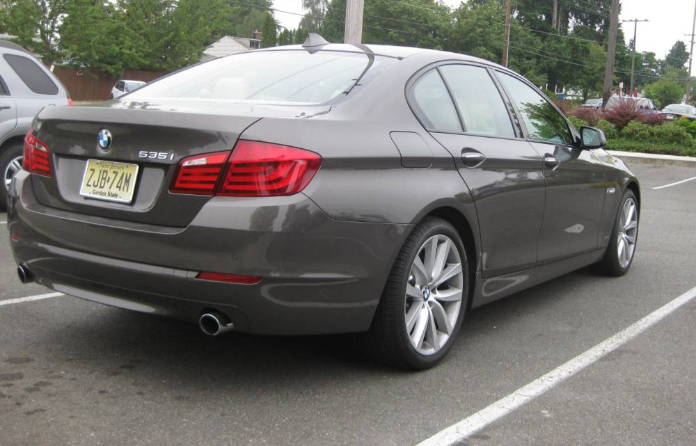 Review BMW I MT Autosavant Autosavant - 2010 bmw 535i