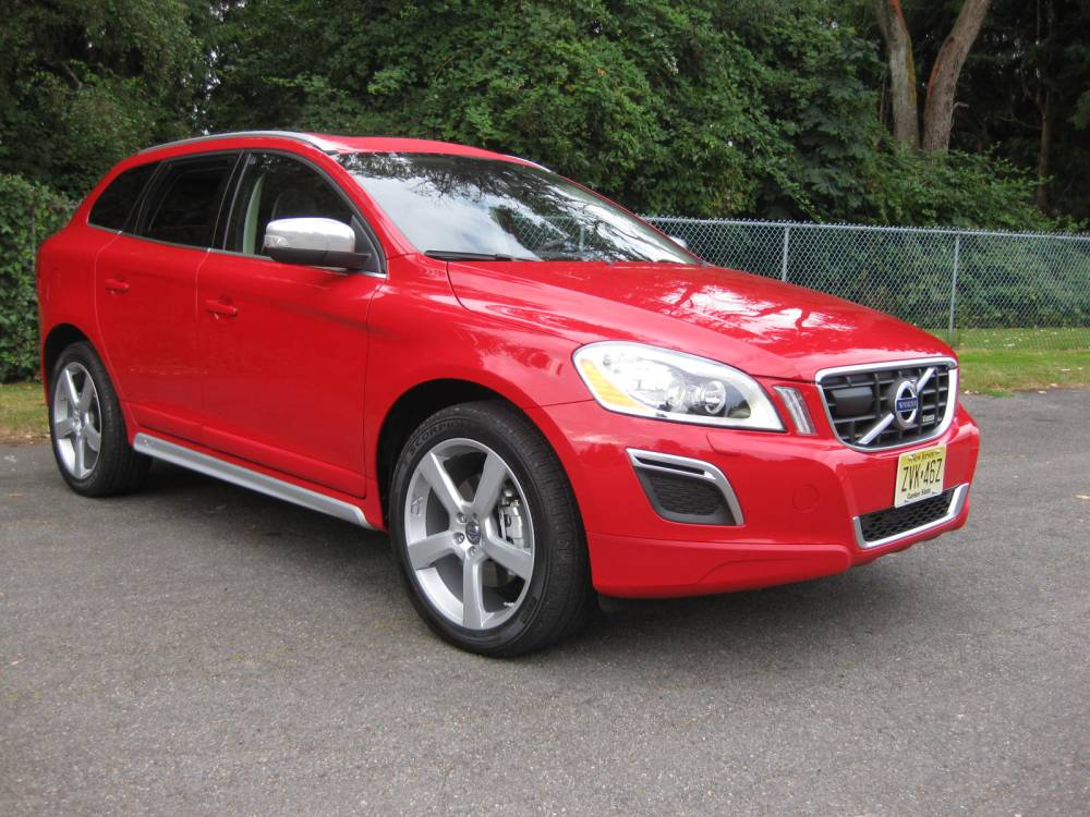 review 2010 volvo xc60 t6 awd r design autosavant autosavant. Black Bedroom Furniture Sets. Home Design Ideas