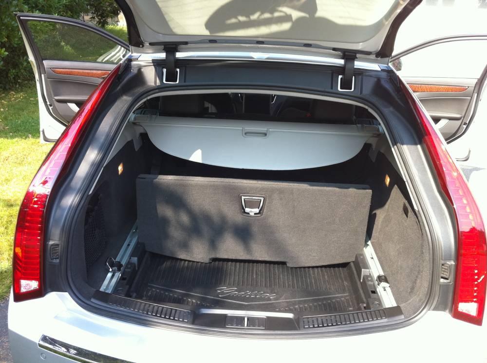 Review 2010 Cadillac Cts Sport Wagon Autosavant