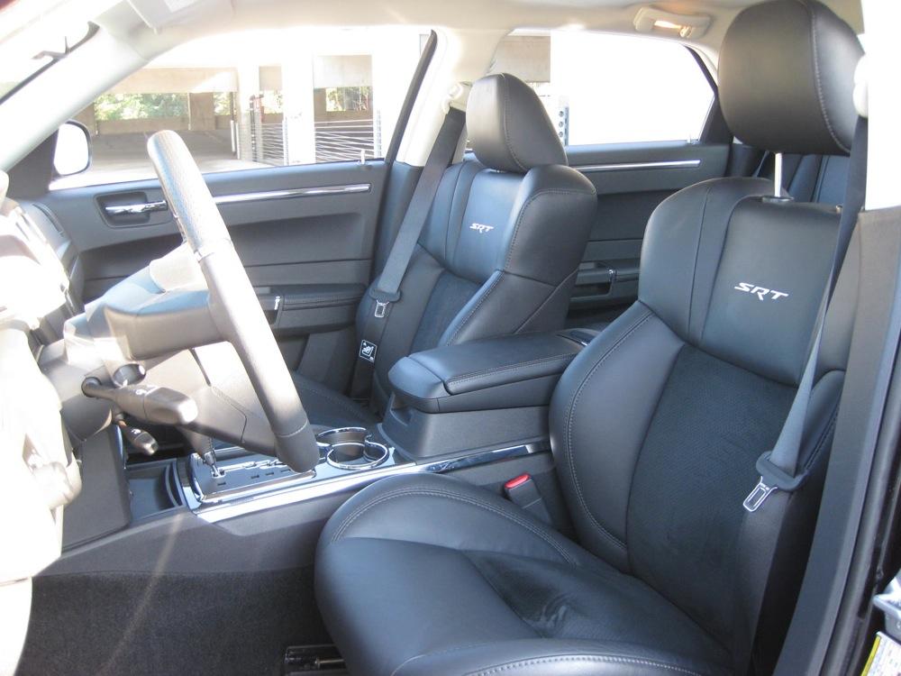 2010 chrysler 300 srt8 interior