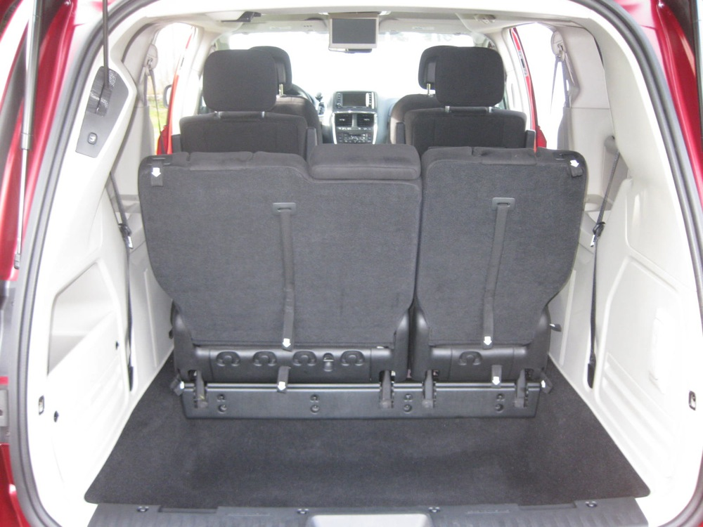 Dodge Caravan Seating >> Review 2011 Dodge Grand Caravan Crew Autosavant Autosavant