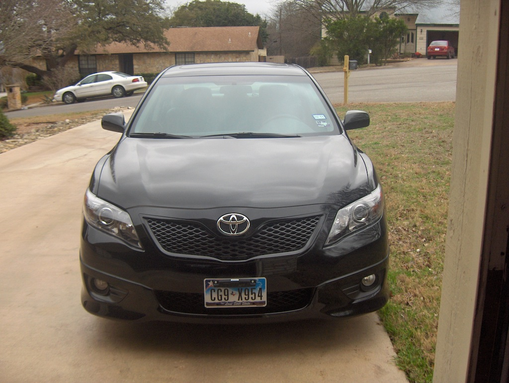 review 2011 toyota camry se v6 autosavant autosavant. Black Bedroom Furniture Sets. Home Design Ideas