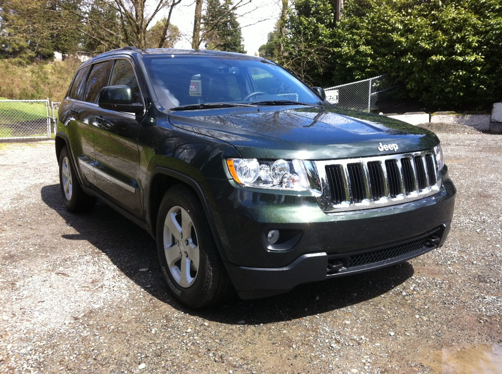 Review: 2011 Jeep Grand Cherokee Laredo 4x4 - Autosavant | Autosavant