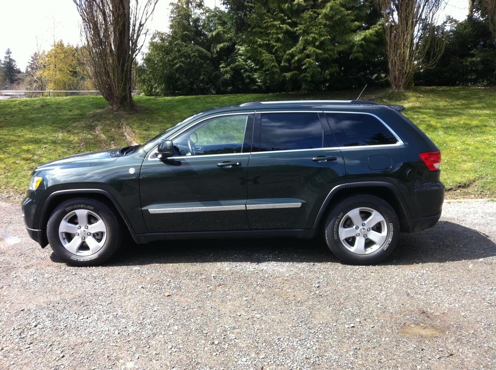 review 2011 jeep grand cherokee laredo 4x4 autosavant autosavant. Cars Review. Best American Auto & Cars Review