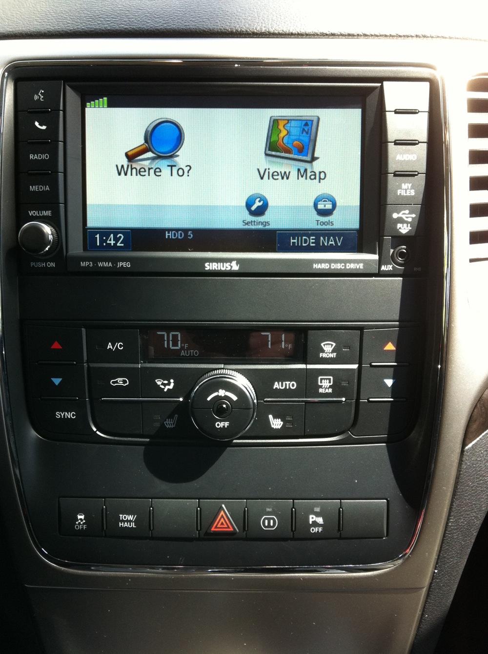 Review 2011 Jeep Grand Cherokee Laredo 4x4 Autosavant