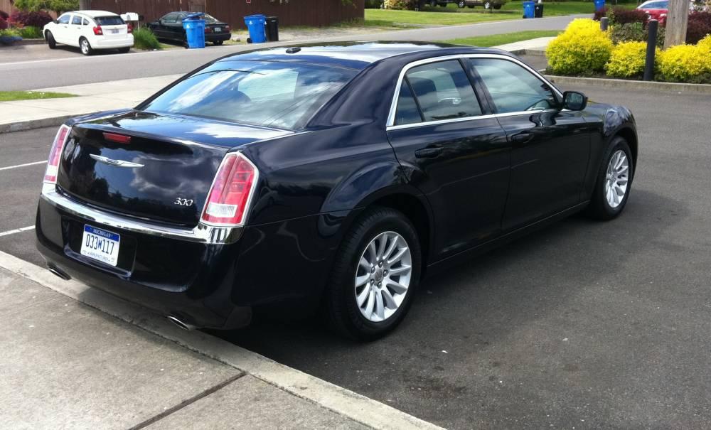 2011 Chrysler 300 012 - Autosavant | Autosavant