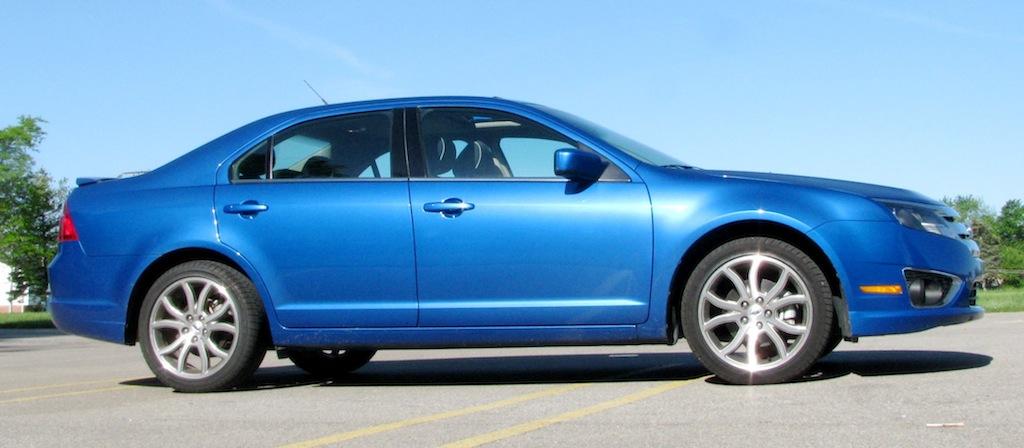 review 2011 ford fusion se 6mt autosavant autosavant. Black Bedroom Furniture Sets. Home Design Ideas