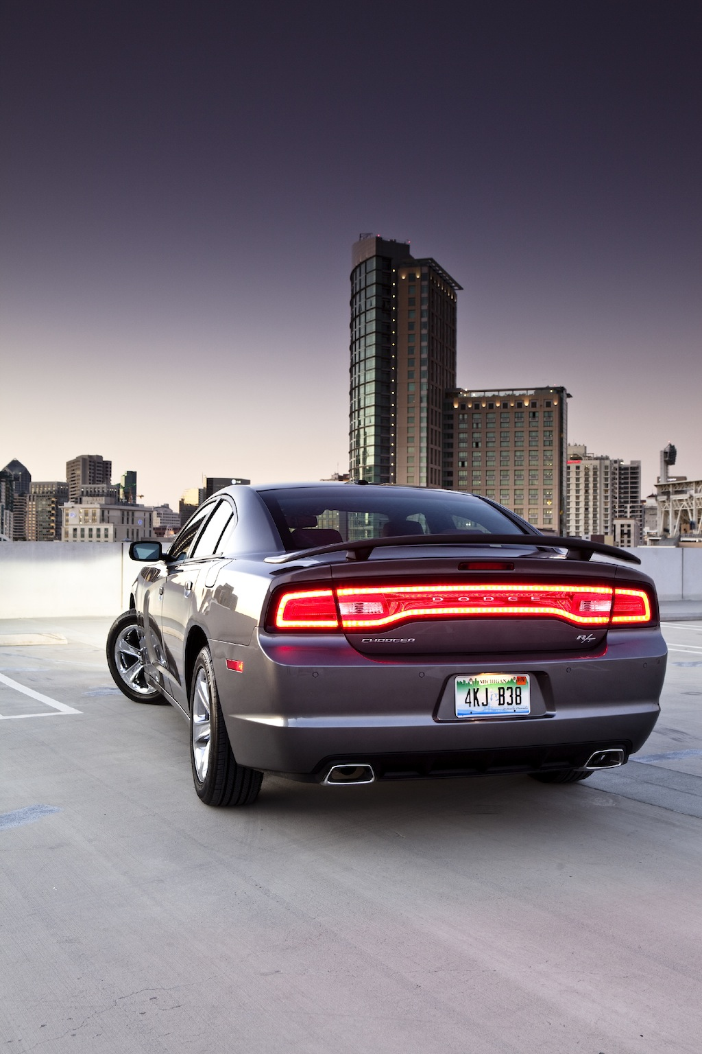 quarter charger cars rating front awd motion trend motor reviews dodge and three sxt in