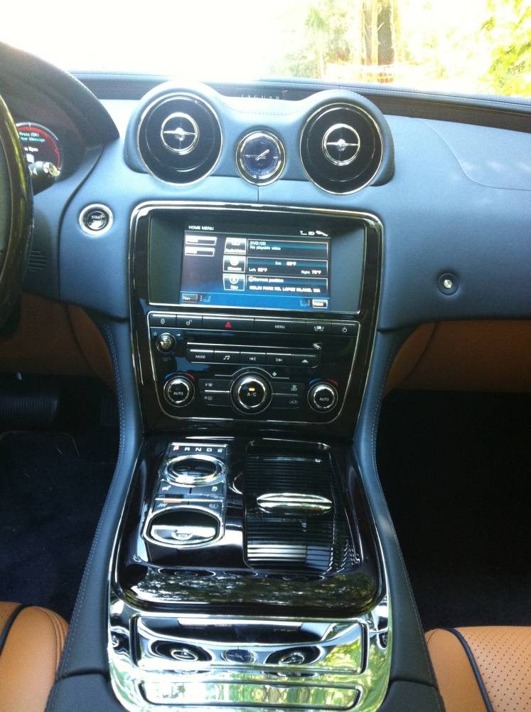 2011 Jaguar XJL Supercharged 024