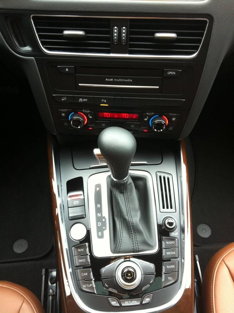 Review: 2012 Audi Q5 3.2 Quattro Tiptronic - Autosavant ...