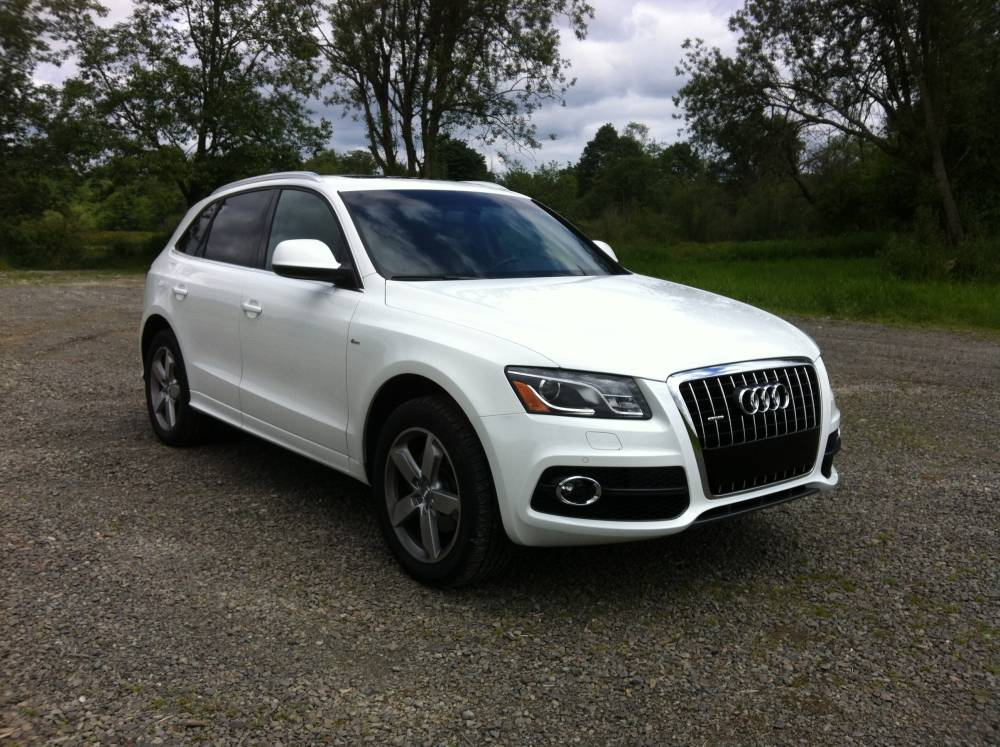 2012 audi q5 3 2 quattro tiptronic 030 autosavant autosavant. Black Bedroom Furniture Sets. Home Design Ideas