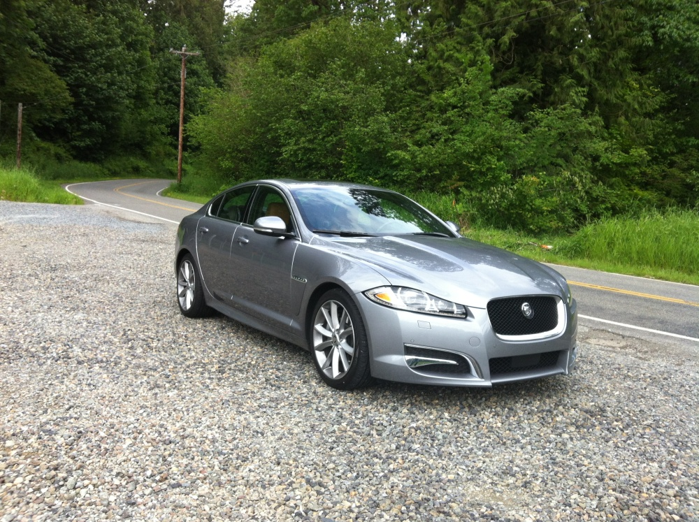 review 2012 jaguar xf portfolio autosavant autosavant. Black Bedroom Furniture Sets. Home Design Ideas