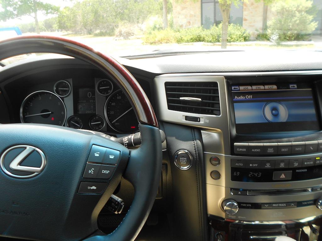 Lexus 2013 lexus lx : Review: 2013 Lexus LX 570 - Autosavant | Autosavant