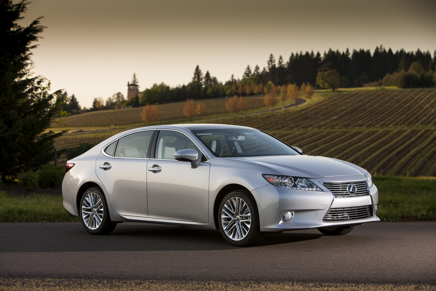 First Drive: 2013 Lexus ES 350 and ES 300h Hybrid