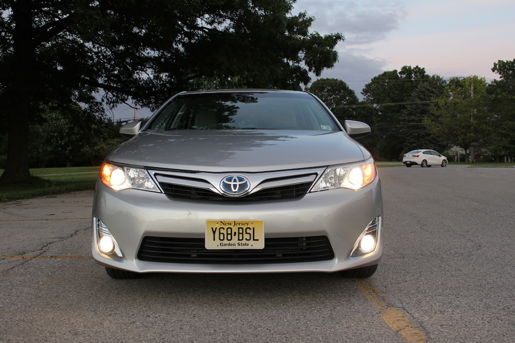 review 2012 toyota camry hybrid xle autosavant autosavant. Black Bedroom Furniture Sets. Home Design Ideas
