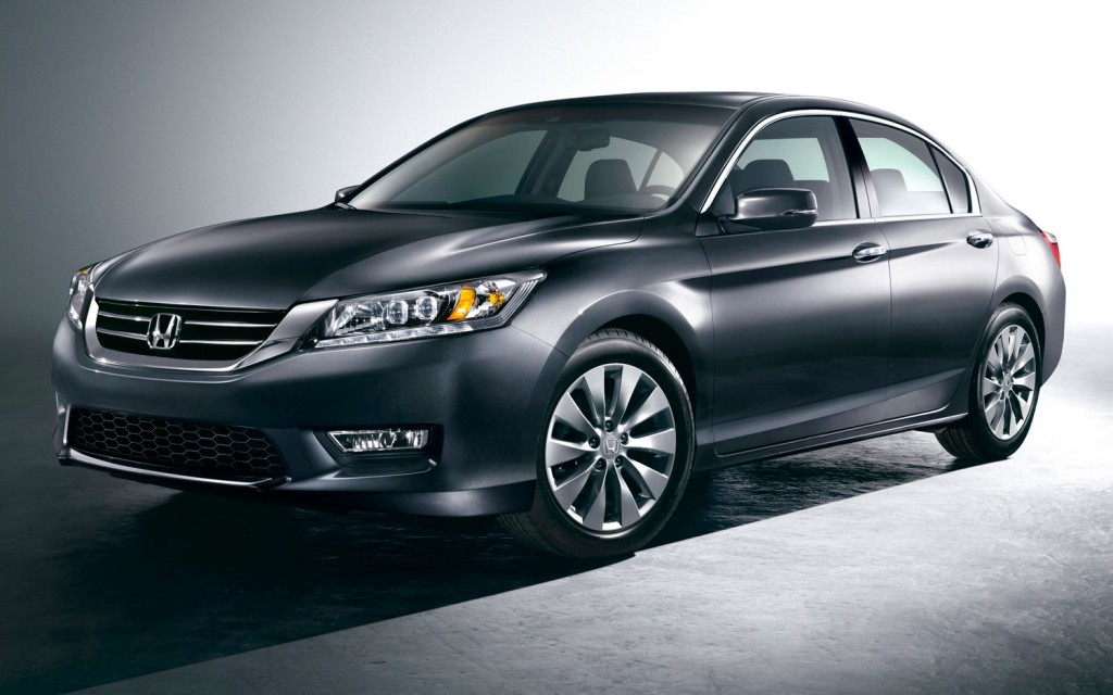 2013-Honda-Accord-Touring-sedan-front-side-view1-1024x640