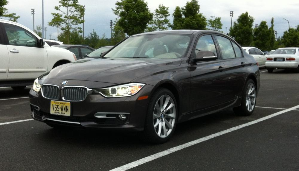 Review: 2012 BMW 328i Sedan Modern Line - Autosavant | Autosavant