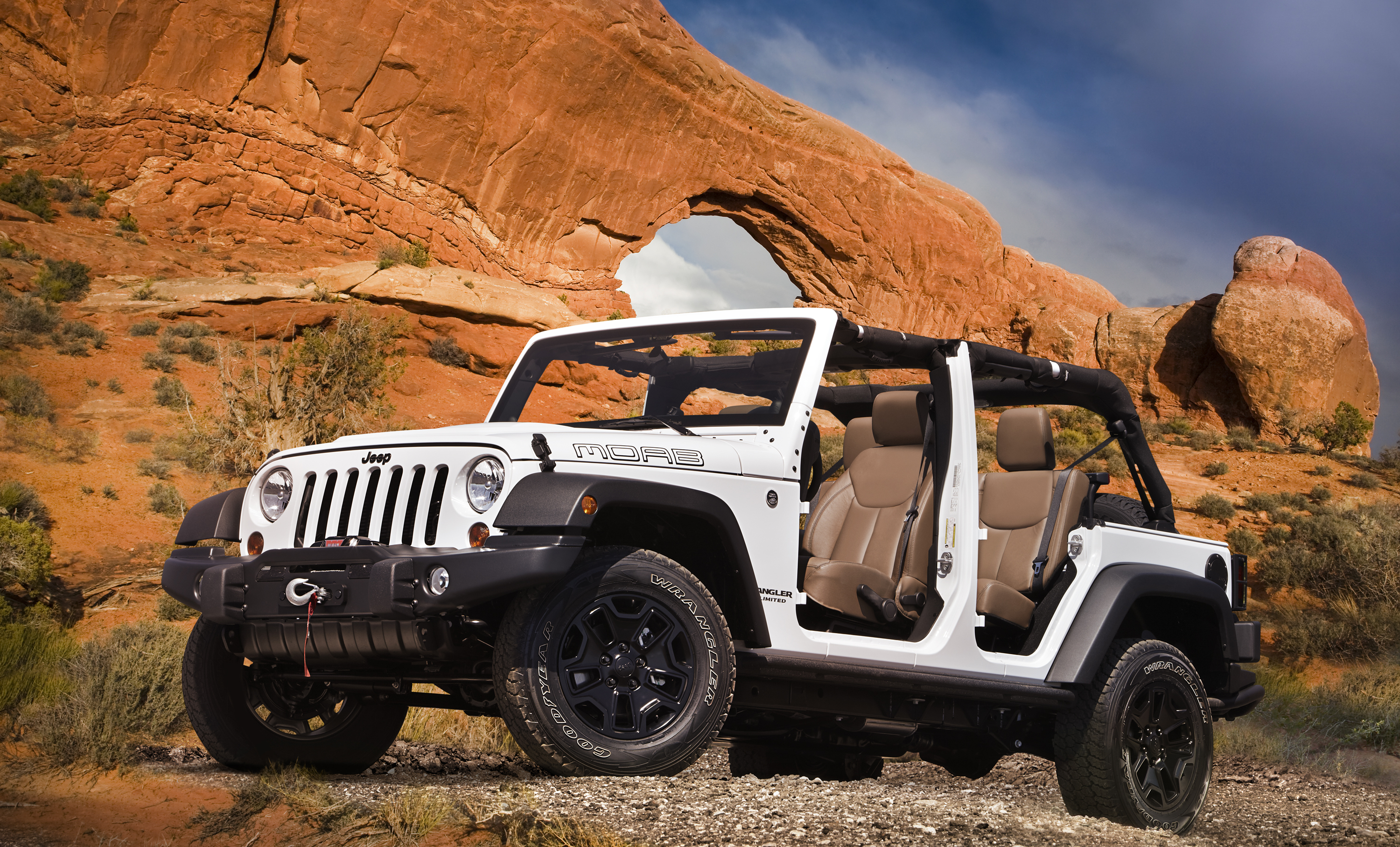 Jeep Unveils Grand Cherokee Trailhawk And Wrangler Moab