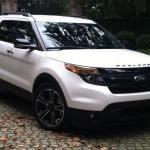 2013 Ford Explorer Sport front quarter