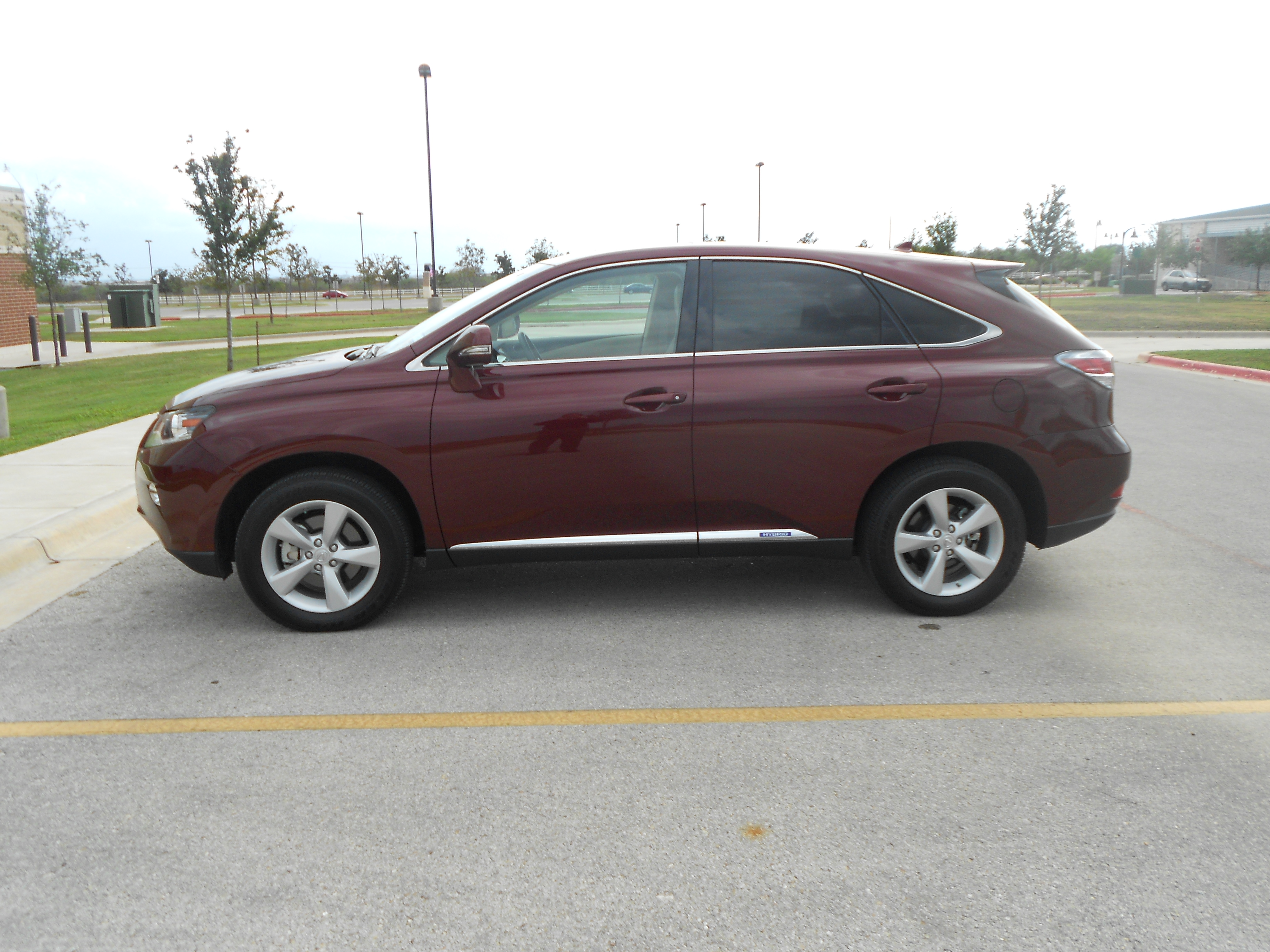 Review: 2013 Lexus RX 450h FWD