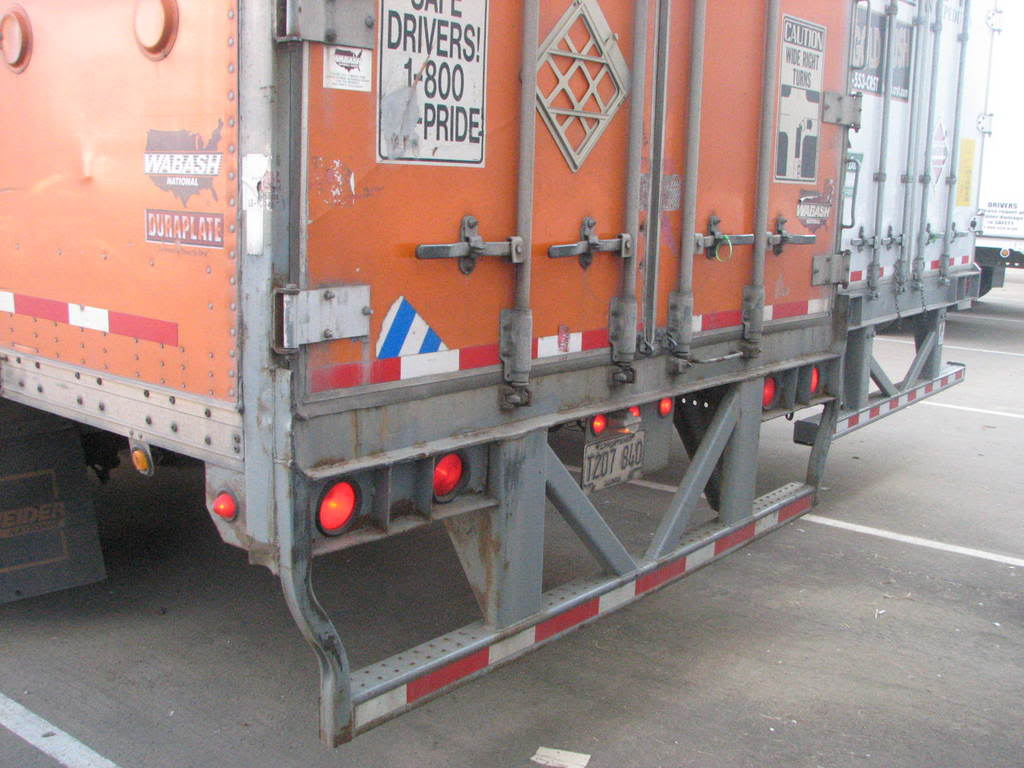 Don't Rear-End a Tractor Trailer, Or You Will Die - Autosavant