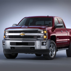 GM Unveils Revamped 2015 Heavy Duty Pickup Lineup