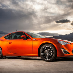Review: 2013 Scion FR-S 6MT