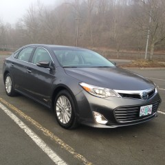 Review: 2013 Toyota Avalon Hybrid Limited