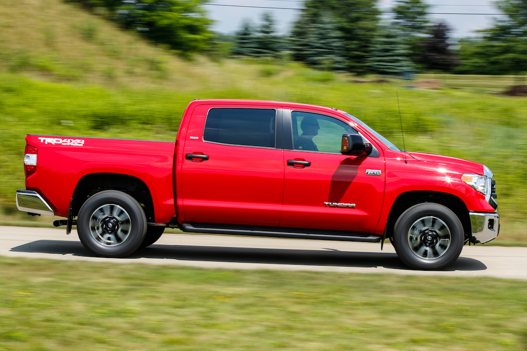 Review: 2014 Toyota Tundra SR5 4x4 CrewMax - Autosavant ...